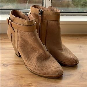 Dolce Vita Brown Perforated booties